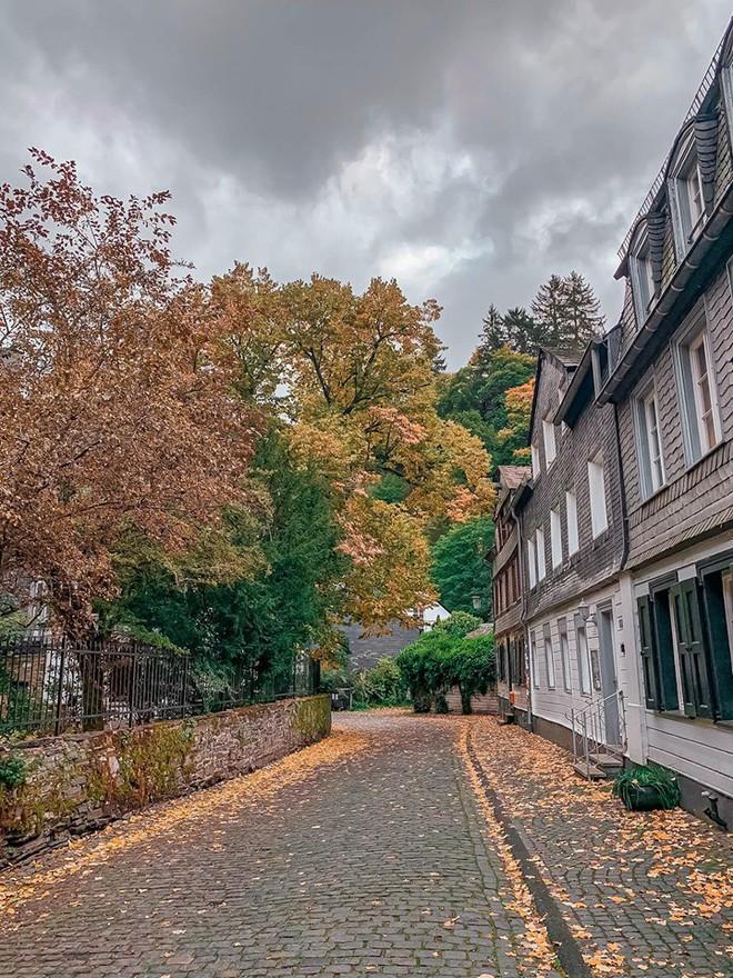 """Lại phát hiện được một địa điểm độc - lạ trên bản đồ du lịch của giới trẻ: Monschau - thị trấn """"hưởng thụ"""" của nước Đức - Ảnh 3."""