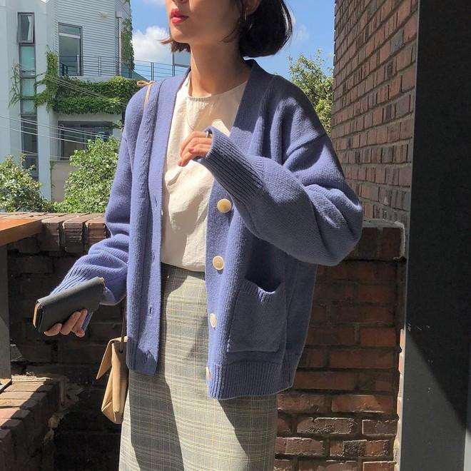 Miền Bắc se lạnh thật rồi, giờ thì các nàng tha hồ diện 5 kiểu áo khoác vừa ấm vừa đẹp chuẩn sống ảo Instagram - Ảnh 1.