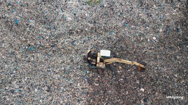 Bức tranh toàn cảnh đáng buồn ở Đảo ngọc Phú Quốc trước sự tấn công của rác thải dji0006 15720636009881067134277