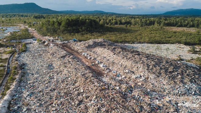 Bức tranh toàn cảnh đáng buồn ở Đảo ngọc Phú Quốc trước sự tấn công của rác thải dji0064 15720625579821615319929