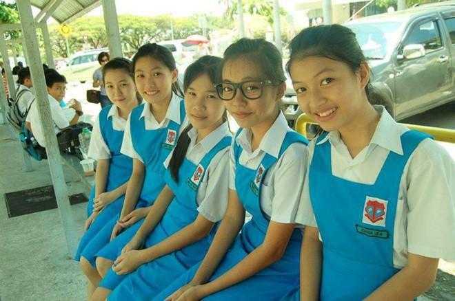 Ngắm đồng phục học sinh các nước châu Á: Nhật Hàn đẹp miễn bàn, sexy gợi cảm nhất là Thái Lan nhưng không đâu độc đáo như Malaysia - Ảnh 14.