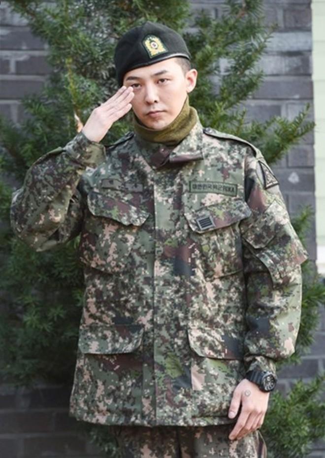 """Hậu xuất ngũ, G-Dragon đã có động thái đầu tiên trên MXH: Chỉ 5 bức ảnh đủ thấy đẳng cấp """"ông hoàng Kpop"""" - Ảnh 6."""