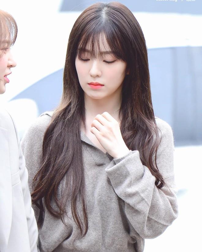Cắt tóc mái chuẩn như Irene: để được 4 kiểu từ ngây thơ đến đẹp như nữ thần - Ảnh 2.