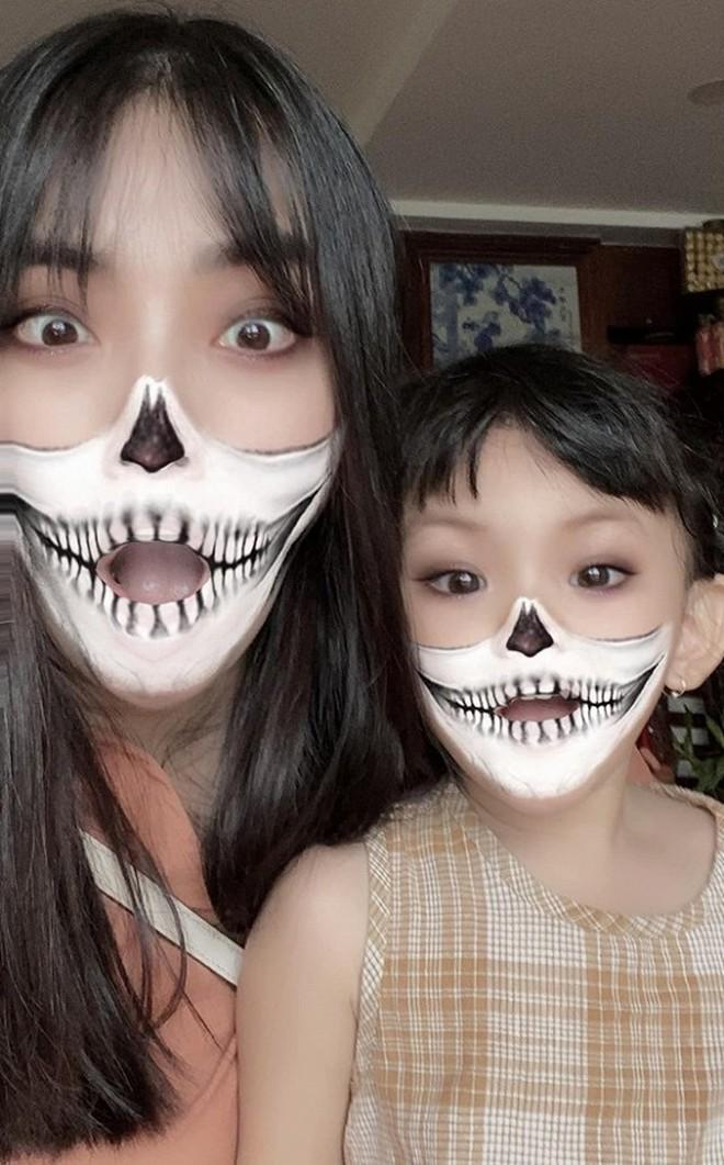 """Sao Vbiz hoá trang độc đáo nhập hội Halloween, kéo đến dàn nhóc tỳ mới thích mắt vì như lạc vào """"thế giới phép thuật"""" - Ảnh 5."""