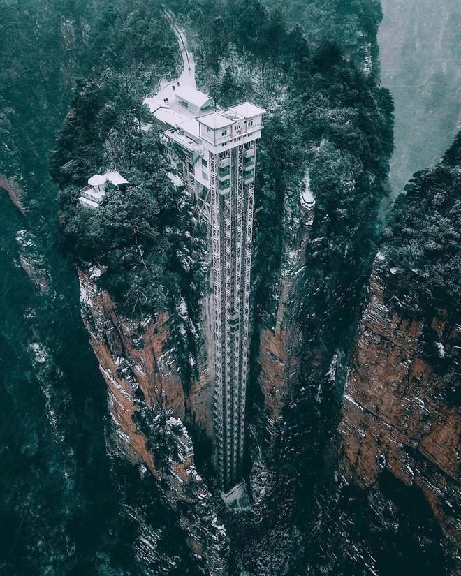 """Thang máy ngoài trời cao nhất thế giới tại Trung Quốc khiến hội yếu tim mới nhìn thôi đã thấy """"thở dốc"""" rồi! - Ảnh 5."""