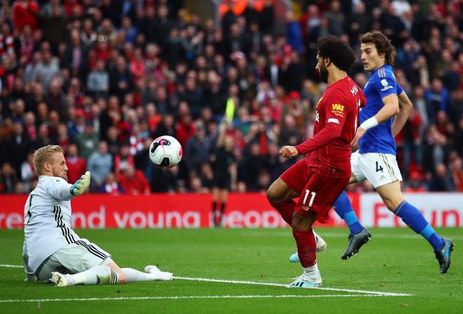 Salah liên tục bắn chim, Liverpool vất vả giành 3 điểm trước Leicester nhờ công thần Milner - Ảnh 1.
