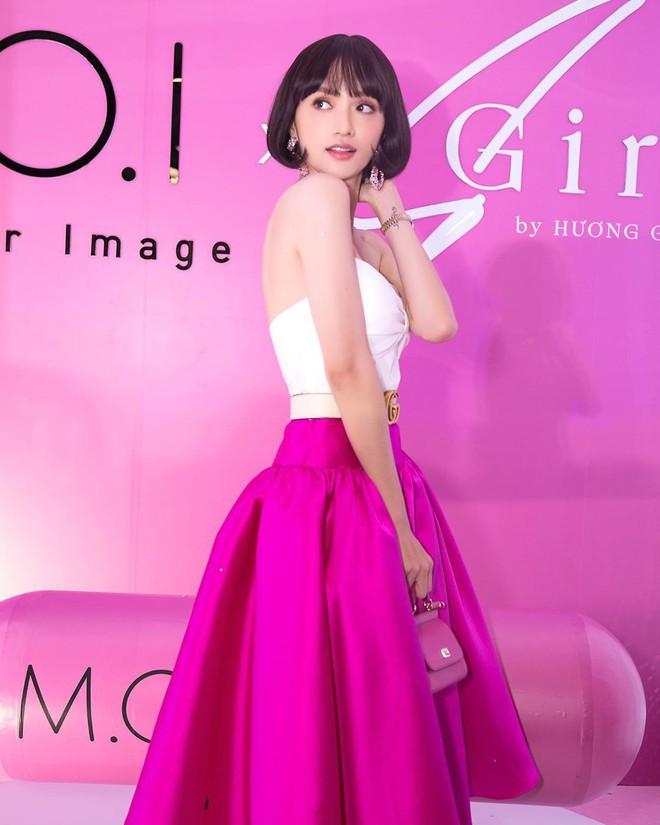 """Nhìn Hương Giang hóa """"búp bê không tình yêu"""", sao mà nhớ style quyến rũ sexy của cô trước đây đến thế! - Ảnh 1."""