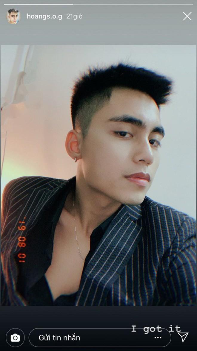 Em trai Sơn Tùng bất ngờ tung ảnh thần thái khác lạ hoàn toàn, thay đổi 180 độ với vẻ thư sinh thường thấy - Ảnh 2.