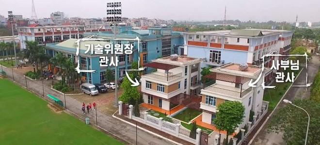 CĐV tuyển Malaysia tố Việt Nam chơi xấu vì xếp sân tập nằm sát nhà HLV Park Hang-seo - Ảnh 1.