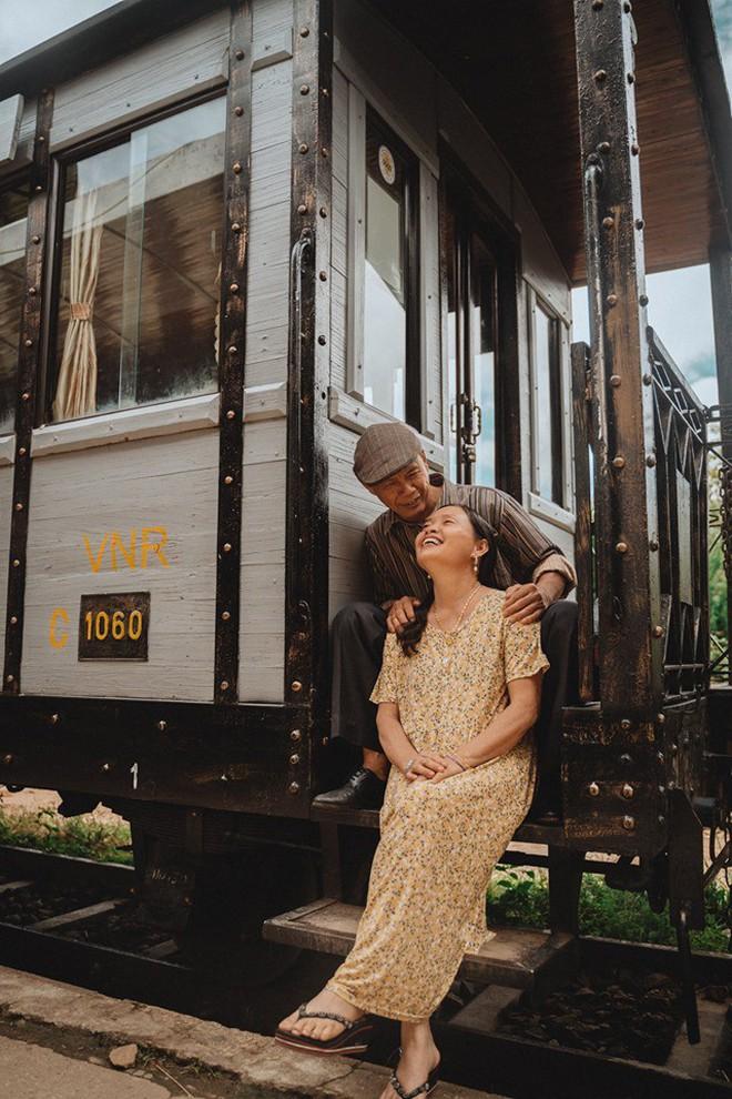 """Chàng trai Hà Nội đưa bố mẹ đi du lịch Đà Lạt, nhân tiện làm luôn bộ ảnh vừa tình vừa thơ với lí do: """"Hồi trước các cụ cưới nhau không có ảnh tử tế!"""" - Ảnh 8."""