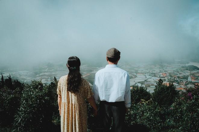 """Chàng trai Hà Nội đưa bố mẹ đi du lịch Đà Lạt, nhân tiện làm luôn bộ ảnh vừa tình vừa thơ với lí do: """"Hồi trước các cụ cưới nhau không có ảnh tử tế!"""" - Ảnh 5."""