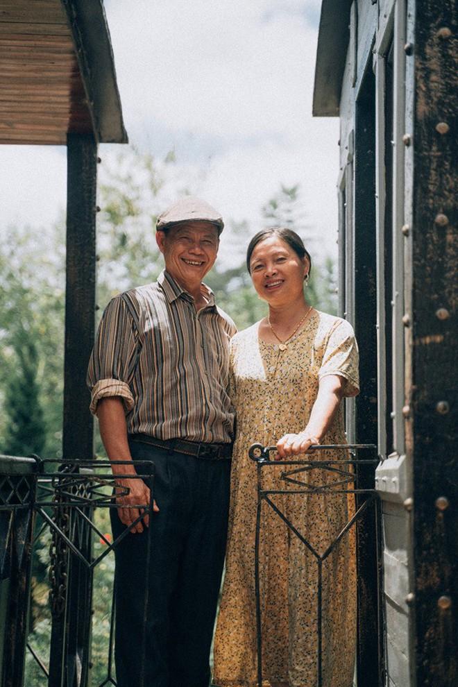 """Chàng trai Hà Nội đưa bố mẹ đi du lịch Đà Lạt, nhân tiện làm luôn bộ ảnh vừa tình vừa thơ với lí do: """"Hồi trước các cụ cưới nhau không có ảnh tử tế!"""" - Ảnh 1."""