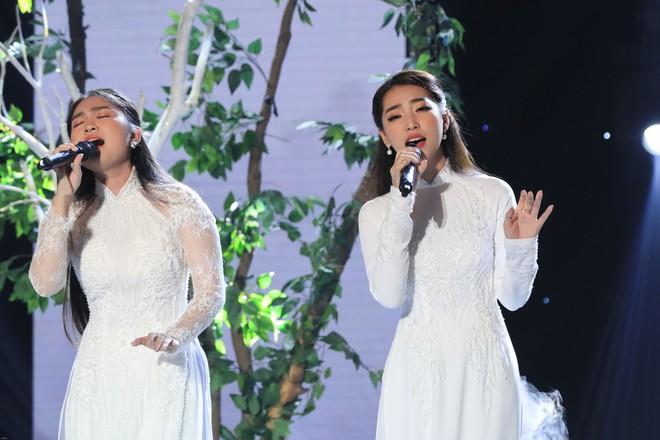 Cặp đôi vàng: Thiện Nhân khóc không ngừng khi hát về hoàn cảnh của bản thân - Ảnh 3.