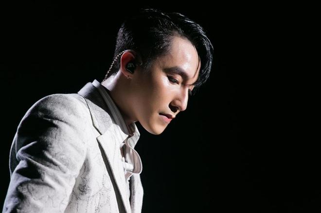 Chủ tịch Sơn Tùng M-TP bất ngờ xuất hiện trong 100 trai đẹp nhất châu Á, visual cực phẩm thế này bảo sao lọt top! - Ảnh 10.