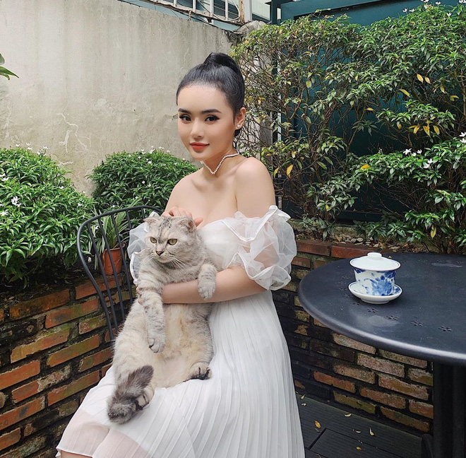 Ai rồi cũng khác, kể cả em gái Angela Phương Trinh! Khí chất mỹ nhân và style đẳng cấp khiến chị cũng phải dè chừng - Ảnh 7.