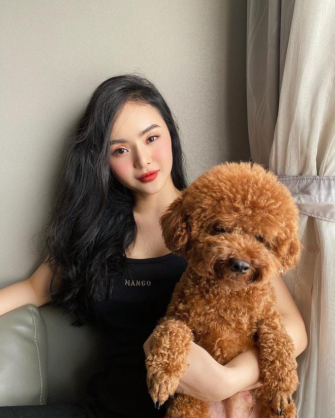 Ai rồi cũng khác, kể cả em gái Angela Phương Trinh! Khí chất mỹ nhân và style đẳng cấp khiến chị cũng phải dè chừng - Ảnh 2.