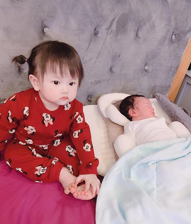 """Trang Pilla tiết lộ """"cô út"""" Bảo Thy toàn ngủ với 2 đứa nhỏ trước khi lấy chồng, ở gần nhưng sẽ nhớ: Thân quá là thân! - Ảnh 4."""