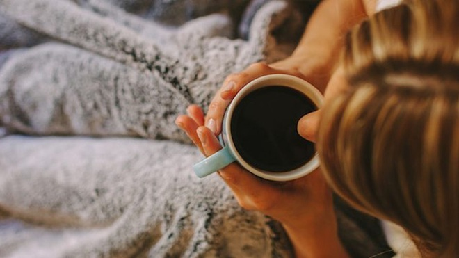 Sáng ngủ dậy mà làm những điều này chỉ khiến cân nặng tăng lên nhanh chóng mặt - Ảnh 5.