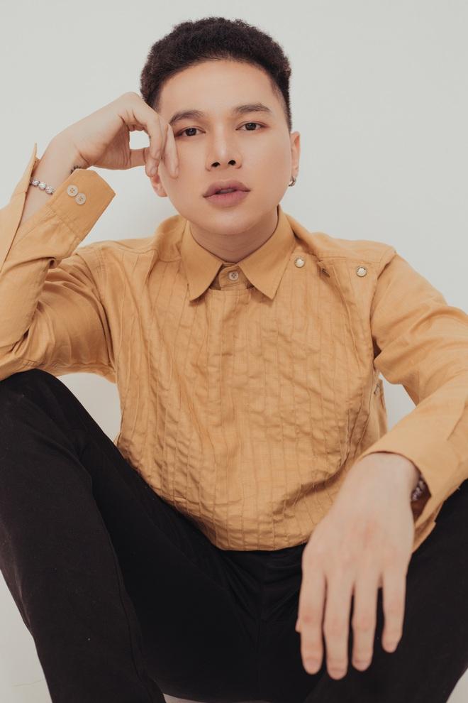 Hoàng Tôn bất ngờ tung MV comeback và khẳng định: Tôi đang rất tự tin vào ngoại hình của mình, đặc biệt là gương mặt - Ảnh 9.