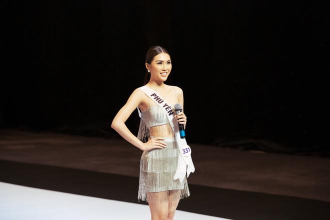 Không dám khóc vì sợ về nhà đi con, cô gái này vẫn bị loại tại Hoa hậu Hoàn vũ VN - Ảnh 4.