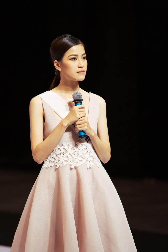 Không dám khóc vì sợ về nhà đi con, cô gái này vẫn bị loại tại Hoa hậu Hoàn vũ VN - Ảnh 7.