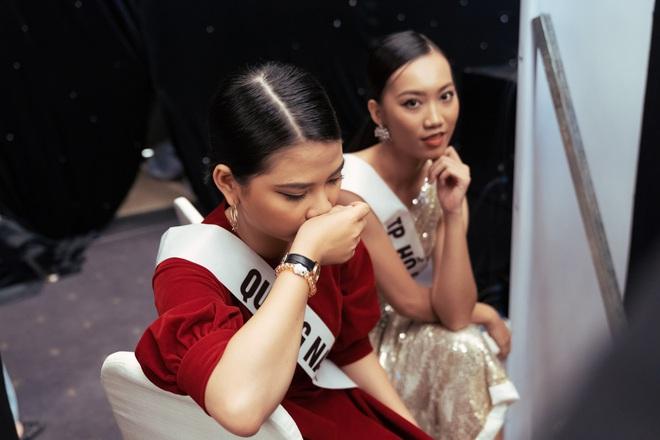Không dám khóc vì sợ về nhà đi con, cô gái này vẫn bị loại tại Hoa hậu Hoàn vũ VN - Ảnh 3.
