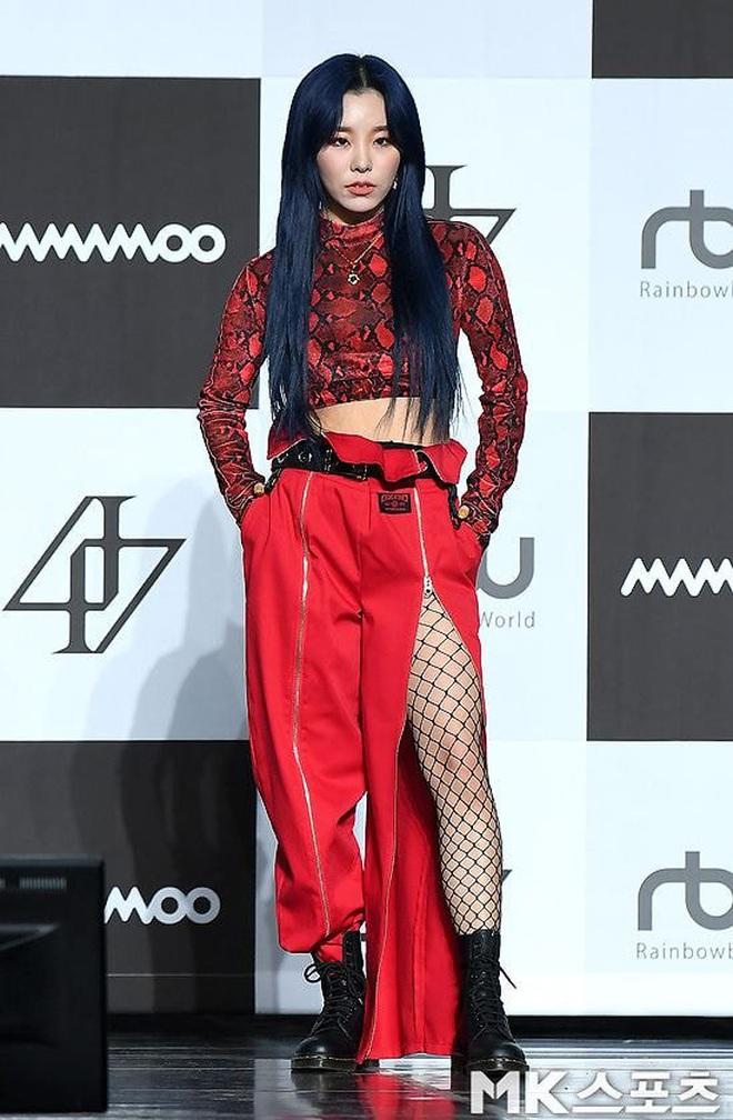 """Không chỉ riêng Hwasa mà giờ đến các thành viên Mamamoo cũng bị netizen cho """"lên thớt"""" vì ăn mặc khác biệt - Ảnh 2."""