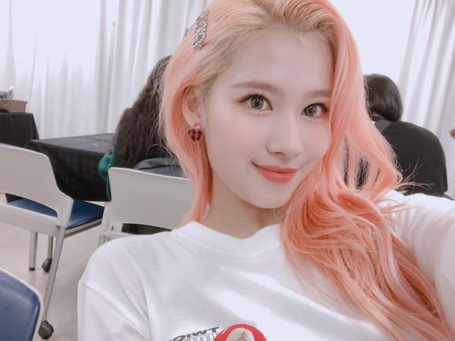 Nam nay idol Hàn nhuộm rất nhiều màu tóc chóe lọe và đây là 7 tông ấn tượng nhất - Ảnh 3.