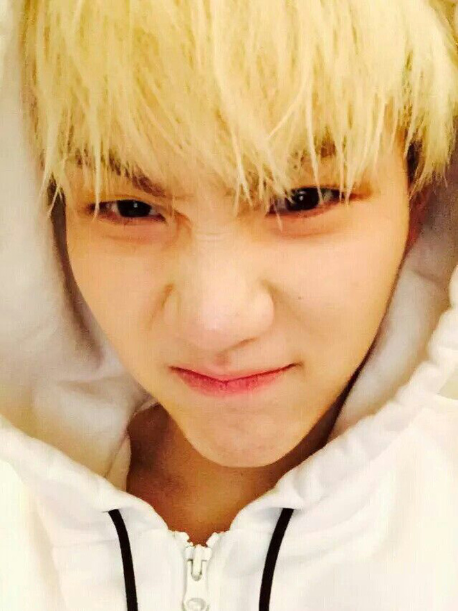 Chói mắt với làn da trắng như ngọc của 9 idol Kpop: Jisoo (BLACKPINK), ai ngờ Suga (BTS) và dàn mỹ nam còn đỉnh hơn - Ảnh 13.