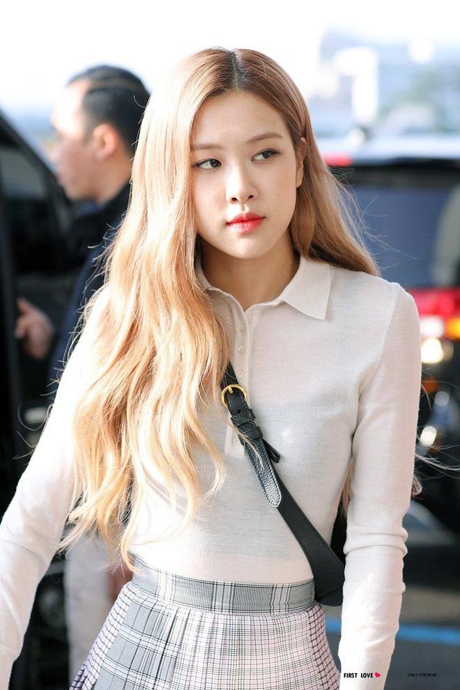 Chỉ nhuộm tóc vàng, mỹ nhân Oh My Girl đã lột xác ngoạn mục: Như công chúa đời thực, chẳng kém gì Rosé (BLACKPINK)? - Ảnh 10.