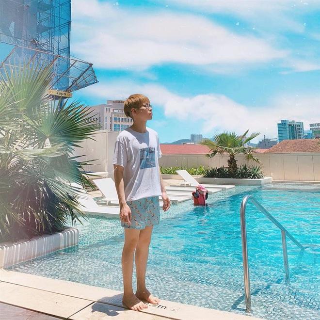 """Đức Phúc tiếp nối style """"siêu nhân"""" của Quỳnh Anh Shyn, ai nhìn vào cũng hình dung ngay body 6 múi cực manly! - Ảnh 3."""