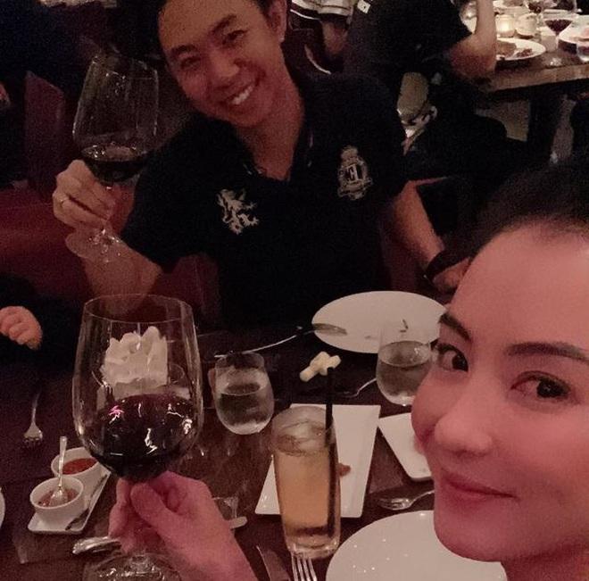 Nhìn quý tử thứ 3 bụ bẫm ngày sinh nhật mới biết Trương Bá Chi chăm con khéo thế nào giữa scandal rúng động - Ảnh 4.