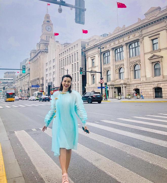 Khối tài sản của MC Hoàng Oanh trước khi lên xe hoa: Cát xê khủng, nhà tiền tỷ, nhưng sống kiểu đối lập hẳn - Ảnh 4.
