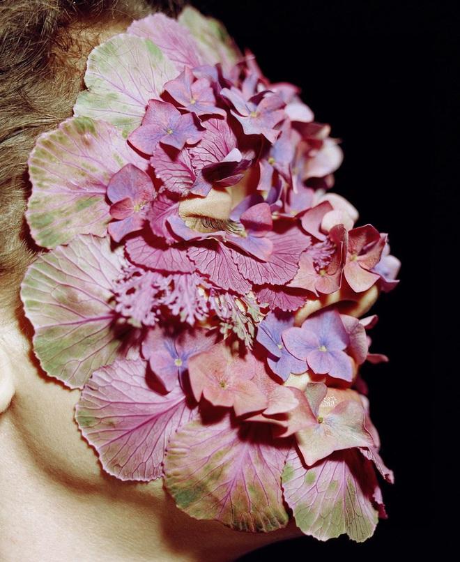 Mỹ nhân Nga gây sốt MXH với phong cách trang điểm bằng rau củ quả: Lúc thì đẹp như hoạ báo, lúc dị đến nổi da gà - Ảnh 7.