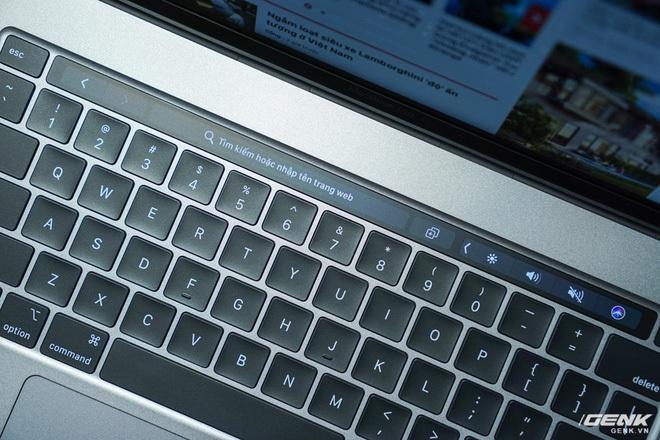 """Trên tay MacBook Pro 16 inch: Viền màn hình mỏng, bàn phím gõ """"phê"""" tay hơn nhiều - Ảnh 9."""