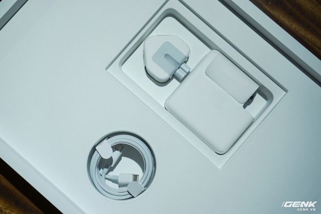 """Trên tay MacBook Pro 16 inch: Viền màn hình mỏng, bàn phím gõ """"phê"""" tay hơn nhiều - Ảnh 3."""