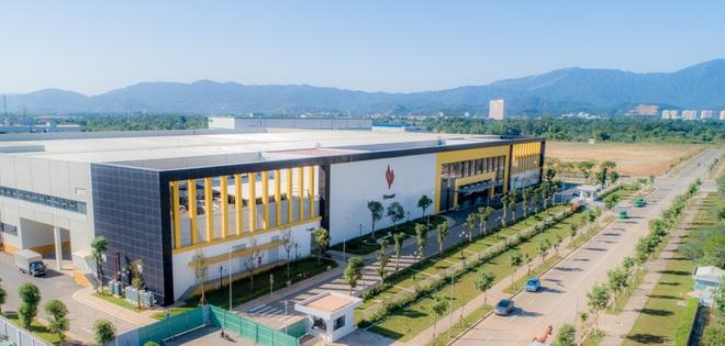 Cận cảnh nhà máy smartphone mới của Vingroup tại Hòa Lạc: Đủ màn tra tấn Vsmart, nuôi mộng Thung lũng Silicon Việt Nam - Ảnh 3.