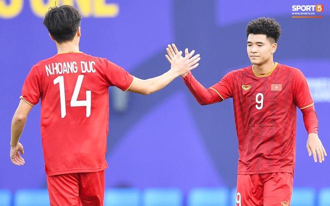 Đức Chinh đã lập cú đúp giúp U22 Việt Nam sớm vươn lên dẫn trước trong trận đấu với U22 Brunei chiều 25/11. Ảnh: Tiến Tuấn