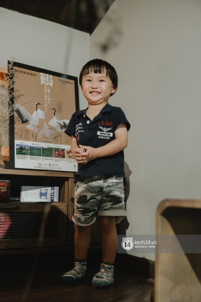 """Trò chuyện độc quyền với mẹ con Youtuber Quỳnh Trần - bé Sa: """"Thời gian đầu ông xã còn sợ mình làm khùng làm điên trên mạng không ai coi!"""" - Ảnh 10."""
