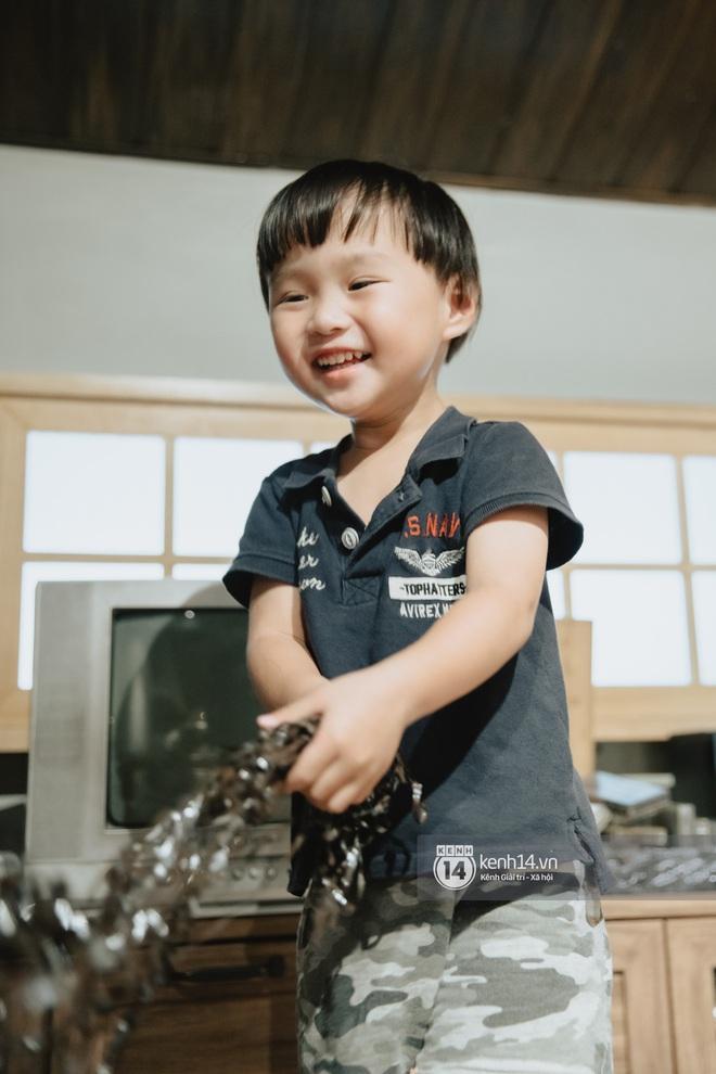 """Trò chuyện độc quyền với mẹ con Youtuber Quỳnh Trần - bé Sa: """"Thời gian đầu ông xã còn sợ mình làm khùng làm điên trên mạng không ai coi!"""" - Ảnh 13."""