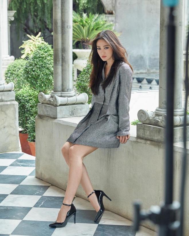 """Lần đầu tiên kể từ khi ly hôn, Song Hye Kyo có photoshoot thời trang chất đến thế mà chẳng cần cố """"gồng"""" - Ảnh 4."""