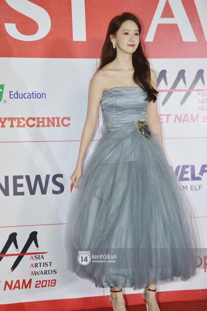"""Style của Yoona qua 4 kỳ AAA: Chỉ có 1 lần """"sến"""", còn lại đều đẹp hớp hồn; riêng bộ năm nay đậm chất tiên tử ai cũng xiêu lòng - Ảnh 8."""