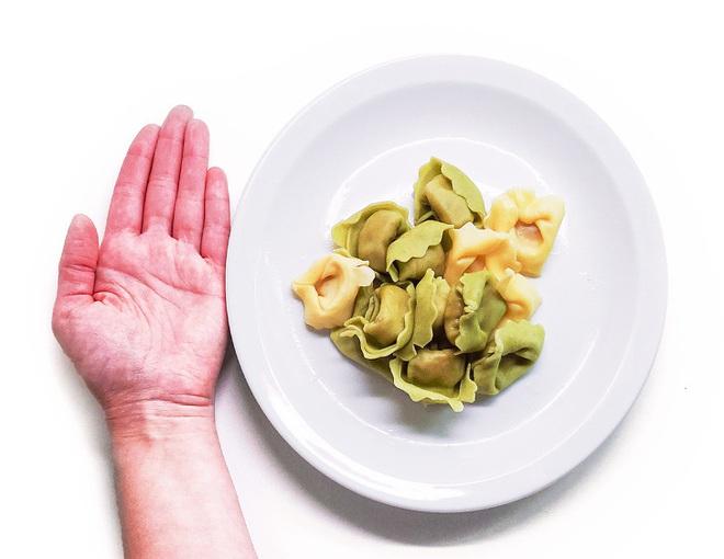 Nắm rõ quy tắc bàn tay để ước lượng khẩu phần ăn sẽ giúp bạn kiểm soát chuyện ăn uống tốt hơn - Ảnh 2.