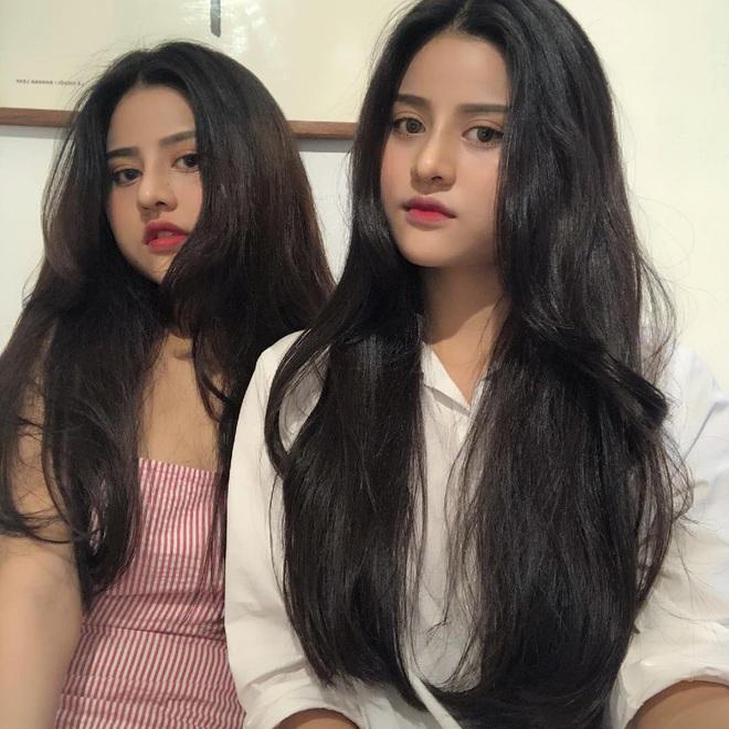 """Lùng info cặp sinh đôi 2000 mới nổi trên Instagram: Cùng tên, xinh đẹp và lắm khi khiến người đối diện bị """"lú"""" vì quá giống nhau - Ảnh 9."""