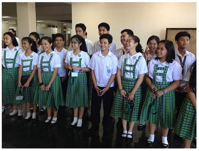 Ngắm đồng phục học sinh các nước châu Á: Nhật Hàn đẹp miễn bàn, sexy gợi cảm nhất là Thái Lan nhưng không đâu độc đáo như Malaysia - Ảnh 15.