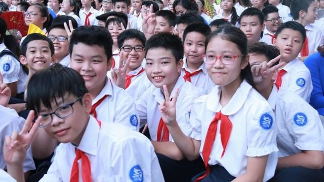 Ngắm đồng phục học sinh các nước châu Á: Nhật Hàn đẹp miễn bàn, sexy gợi cảm nhất là Thái Lan nhưng không đâu độc đáo như Malaysia - Ảnh 12.