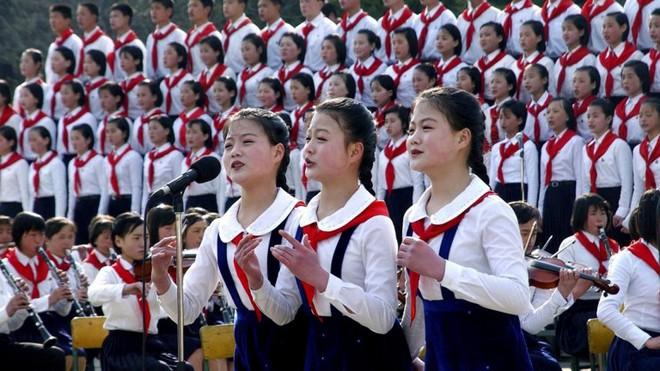 Ngắm đồng phục học sinh các nước châu Á: Nhật Hàn đẹp miễn bàn, sexy gợi cảm nhất là Thái Lan nhưng không đâu độc đáo như Malaysia - Ảnh 17.