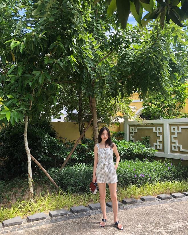 Street style sao Hàn khi sang Việt Nam: Nhìn là thấy cả một bầu trời giản dị - Ảnh 5.