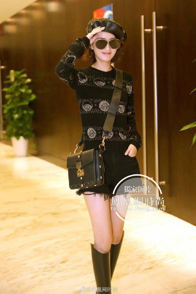 Mặc dân tình xì xầm chê bai, Triệu Lệ Dĩnh một lần nữa khẳng định danh hiệu Đại sứ Dior Trung Quốc chưa hề bị mất - Ảnh 4.