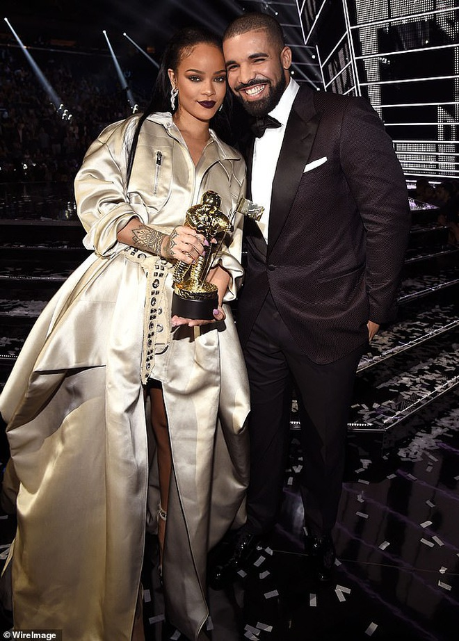 Không phải cô bạn thân Rihanna, Drake đã chính thức hẹn hò nữ tỷ phú nóng bỏng Kylie Jenner? - Ảnh 2.